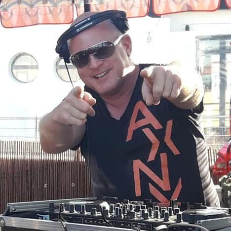 DJ Lee Kenny