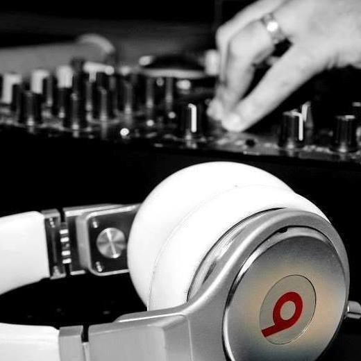 DJBeakerFM