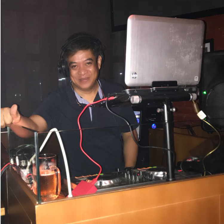 DJ Dimas live streaming