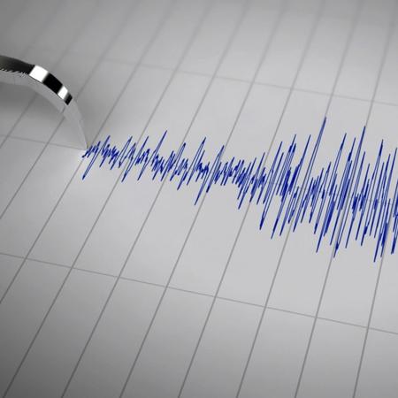 Musical Seismograph Radio
