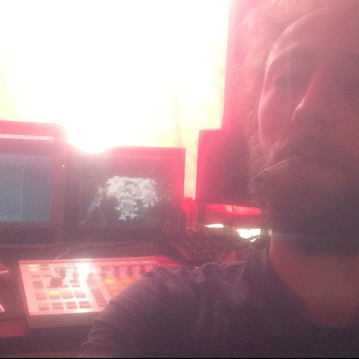DeepMoodRadio